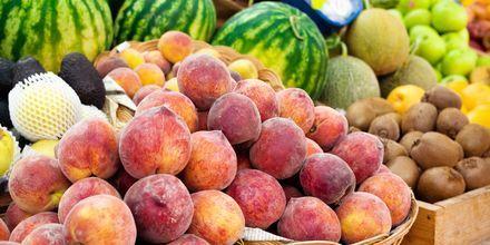 Tack vare det sköna klimatet finns det gott om färsk frukt i Albanien.
