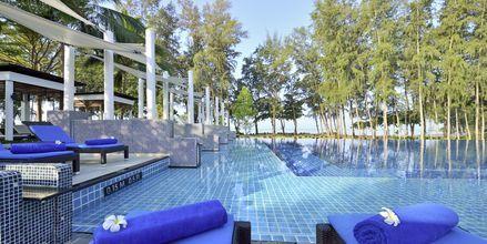 Poolområdet på Dusit Thani Krabi Beach Resort på Krabi, Thailand.