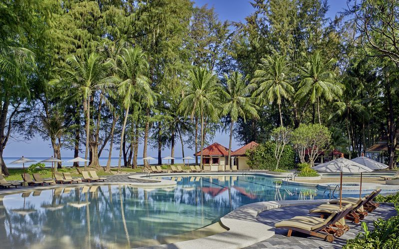 Poolområdet på hotell Dusit Thani Laguna Phuket, Bangtao Beach.