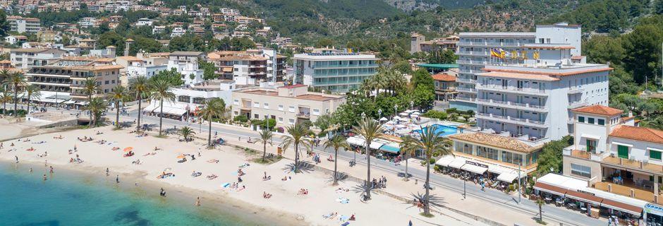 Stranden vid hotell Eden, Puerto de Sóller, Mallorca.