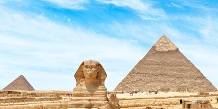 Passa på att besöka Kairo och upptäck pyramiderna och Sfinxen.