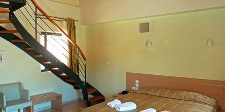 Tvårumslägenhet i etage på hotell Eleana på Lefkas, Grekland.