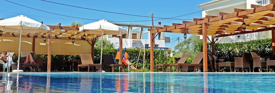 Poolen på hotell Eleana på Lefkas, Grekland.