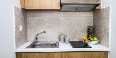 Kök i lägenheterna på hotell Elia i Kato Stalos på Kreta, Grekland.