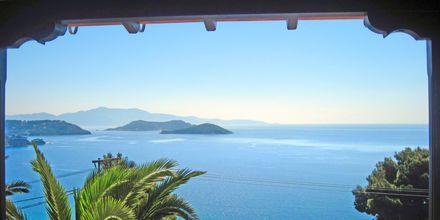 Utsikten från hotell Elias i Megali Ammos på Skiathos, Grekland.