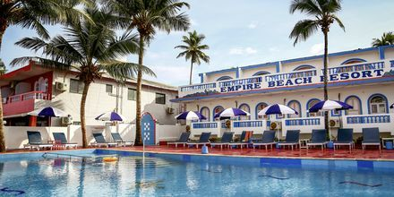 Poolområde på Empire Beach Resort i norra Goa, Indien.