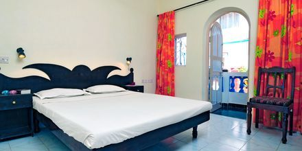 Dubbelrum på hotell Empire Beach Resort i norra Goa, Indien.