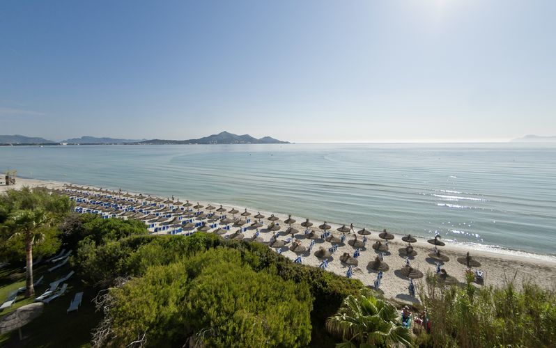 Utsikt från Playa Esperanza Suites i Alcudia, Mallorca.