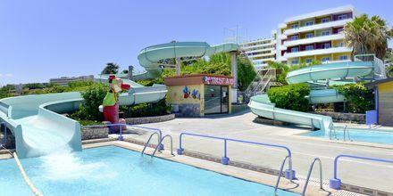 Poolområdet på Esperides Beach Family Hotel, Rhodos.