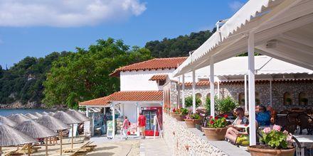Strandrestaurangen på hotell Esperides på Skiathos, Grekland.