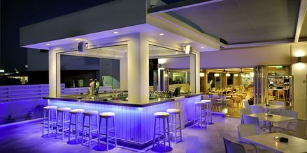Poolbaren på hotell EuroNapa i Ayia Napa, Cypern.
