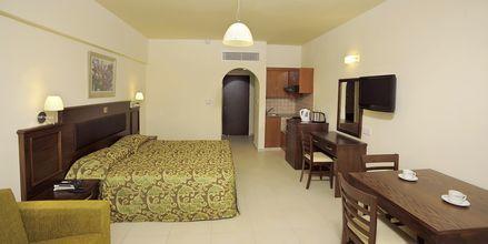 Enrumslägenhet på hotell EuroNapa i Ayia Napa, Cypern.