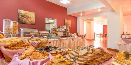 Frukostservering på hotell Europa i Rhodos stad.