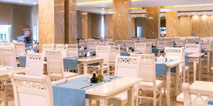 Restaurang på hotell Fafa Grand Blue i Durres Riviera i Albanien.