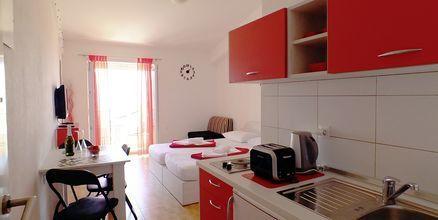 Enrumslägenhet på hotell Fani i Makarska, Kroatien.