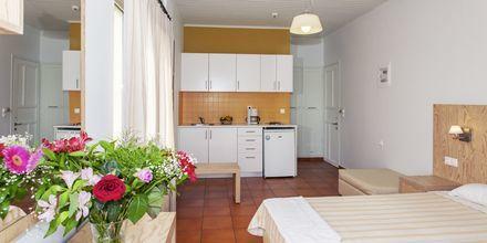 Enrumslägenhet på hotell Faros i Kato Stalos, Kreta.