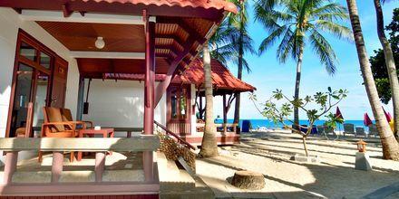 Dubbelrum i bungalow, ocean på First Bungalow Beach Resort på Koh Samui, Thailand.