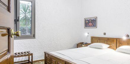 Tvårumslägenhet i äldre del på hotell Flamingos på Kreta, Grekland.
