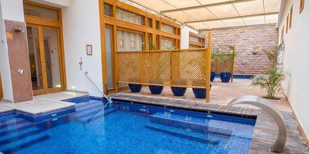På hotell Fort Arabesque Resort, Spa & Villas finns en välrenommerad spaanläggning.