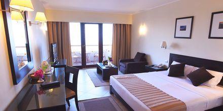 Superiorrum på hotell Fort Arabesque Resort, Spa & Villas i Makadi Bay, Egypten.