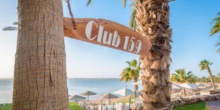 På baren Club 159 på hotell Fort Arabesque Resort, Spa & Villas i Makadi Bay, Egypten.