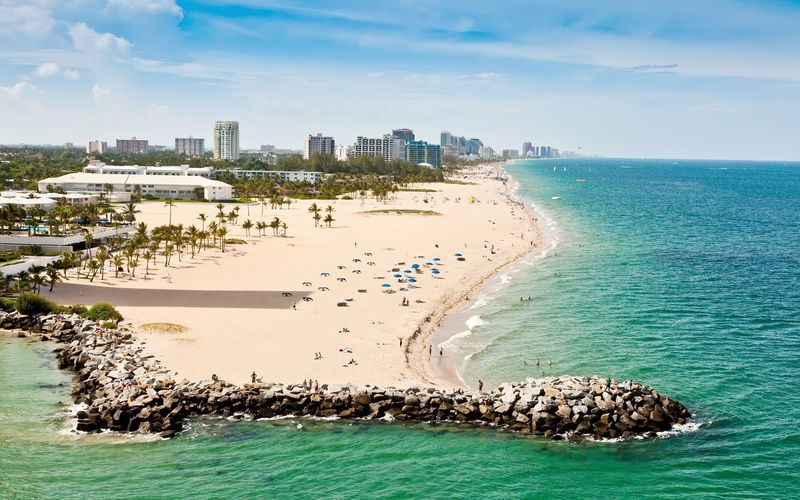 Fort Lauderdale i Florida, USA, är ett härligt besöksmål för den som gillar sol, strandhäng och shopping.