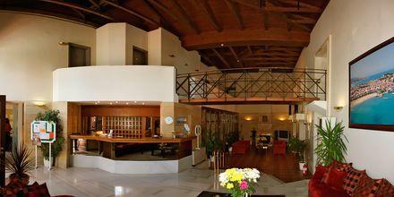 Lobby på hotell Fortezza i Rethymnon på Kreta, Grekland.