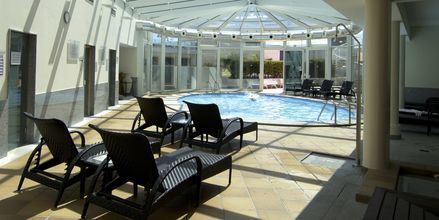 Inomhuspoolen på hotell Four Views Monumental Lido i Funchal, Madeira.