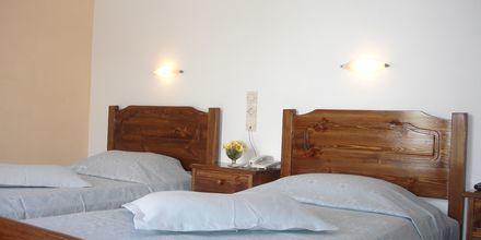 Dubbelrum på hotell Gardenia på Santorini i Grekland.