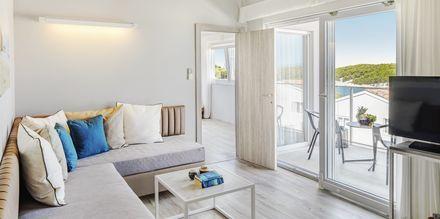 Tvårumssvit på Gava Waterman Resort Milna på Brac, Kroatien.