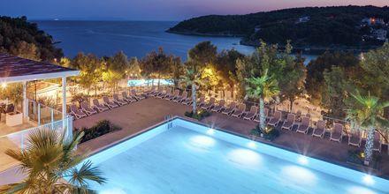 Pool på Gava Waterman Resort Milna på Brac, Kroatien.