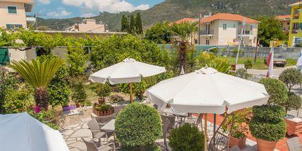 Terrass på hotell Georgio i Nidri på Lefkas.