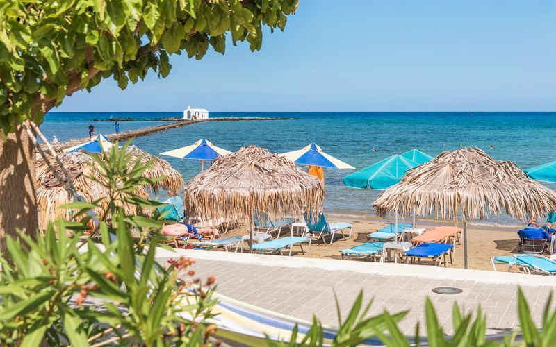 Strand i Georgiopolis på Kreta, Grekland.