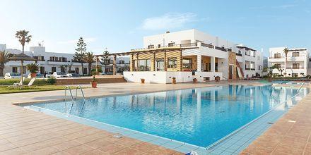 Poolområde på hotell Geraniotis Beach i Platanias på Kreta.