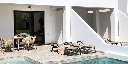 Tvårumslägenhet med privat pool på hotell Geraniotis Beach i Platanias på  Kreta, Grekland.