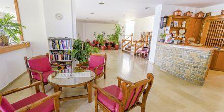 Lobby på hotell Glicorisa Beach i Pythagorion, Samos.