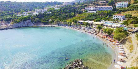 Stranden vid hotell Glicorisa Beach i Pythagorion, Samos.