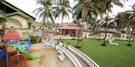 Lekplats på hotell Goan Heritage i Norra Goa, Indien.