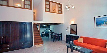Trerumslägenhet i etage på hotell Gogozotas i Parga, Grekland.