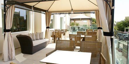 Loungecafé på hotell Golden Beach i Hersonissos på Kreta, Grekland.