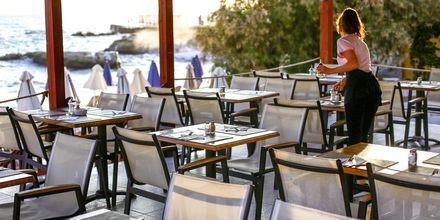 Restaurang, hotell Golden Beach i Hersonissos på Kreta.