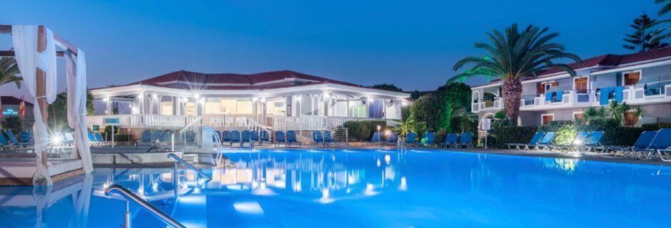 Poolområde vid hotell Golden Sun, Zakynthos.