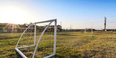 Fotbollsplan på hotell Gouves Bay i Gouves, Kreta.