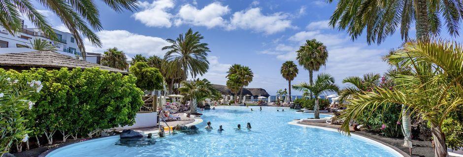 Poolområde på hotell Gran Castillo Tagoro Family & Fun på Lanzarote.