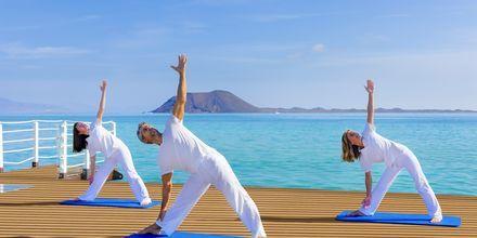 Yoga på Gran Hotel Atlantis Bahia Real i Corralejo, Fuerteventura.