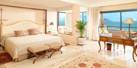 Tvårumssvit på Gran Hotel Atlantis Bahia Real på Fuerteventura, Spanien.