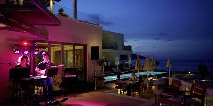 Lobbybar på hotell Grand Bay Beach Resort på Kreta, Grekland.