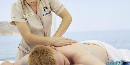 Massage på stranden på hotell Grand Bay Beach Resort på Kreta, Grekland.