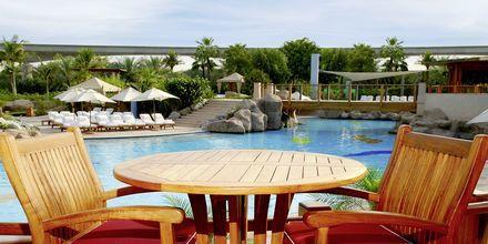 Restaurang vid poolen på Grand Hyatt, Dubai.