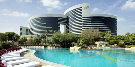 Poolområdet på Grand Hyatt, Dubai.